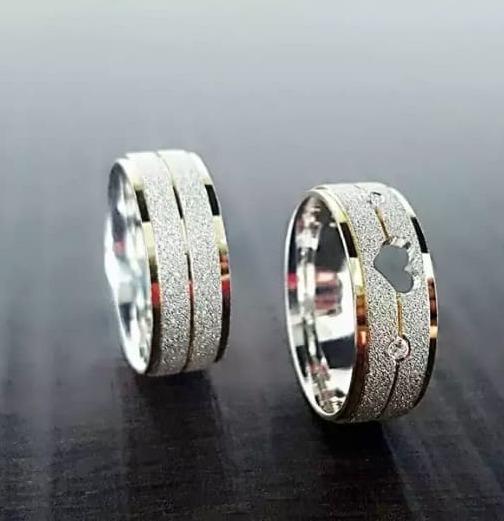 Aliança De Compromisso Diamantada Coração Prata 925 (par)