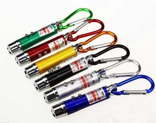 Laser Pointer Vermelho 3 Em 1, Chaveiro, Lanterna Com Pilhas
