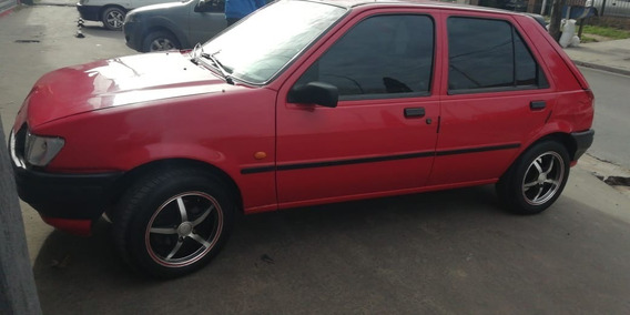 Ford Fiesta Cl 1.8 Diesel $150.000