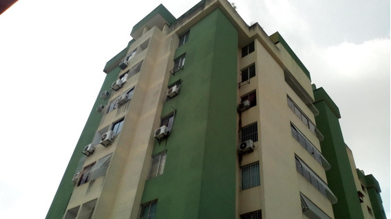 Nunziatina Alquila Apartamento En Barqto NLG 205310