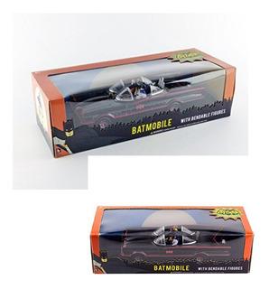 Batimovil Njcroce 1/24 + Figuras De Batman Y Robin En Goma