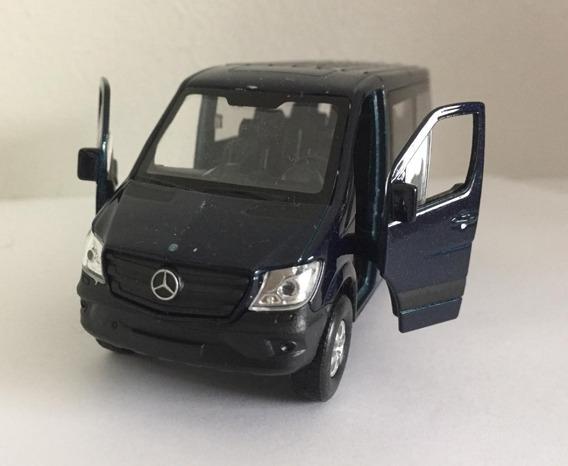 Miniatura Mercedes-benz Sprinter Traveliner 1:38