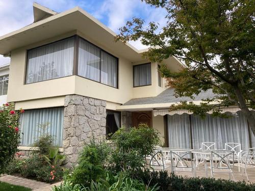 Se Vende Preciosa Casa En Miraflores