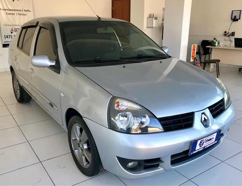 Imagem 1 de 6 de Renault Clio 2006 1.6 16v Privilège Hi-flex 5p