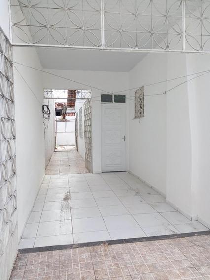 Aluguel Casa 3 Quartos, Garagem, Quintal - Bairro Maraponga