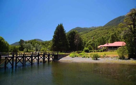 Susana Aravena Propiedades Ds, Vende Propiedad Única Con Muelle En Lago Lacar, San Martín De Los And