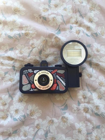 Camera Lomo La Sardina + Flash / Edição Especial The Guvnor