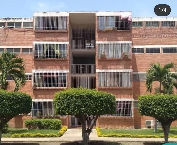 Apartamento En Venta Zona Este De Bqto 20-21294 Mmm