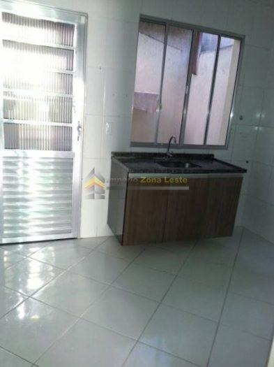 Sobrado Em Condomínio Para Locação No Bairro Vila Ré, 2 Dorm, 0 Suíte, 1 Vagas, 65 M - 2381