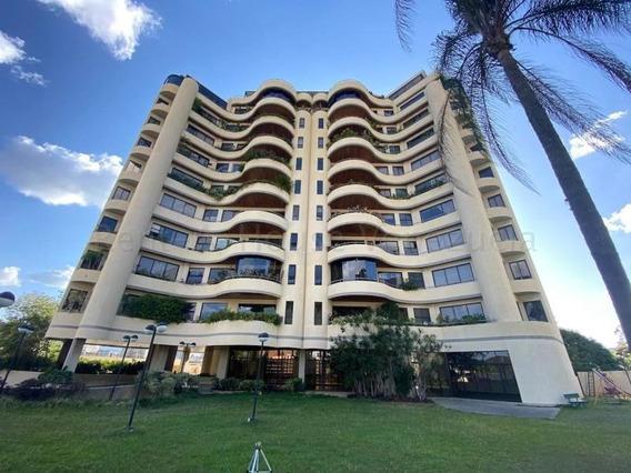 Exclusiva Zona, Bellas Residencias E Impecable Apartamento.