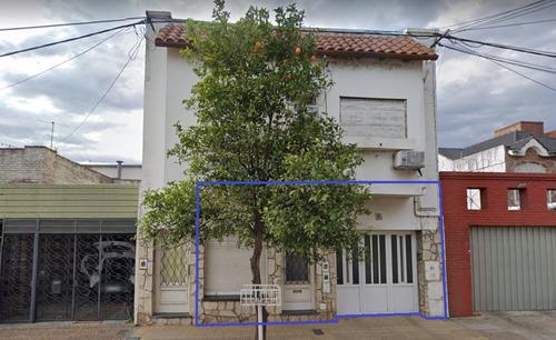 Casa Y Duplex A La Venta A 100mts De Av.freyre