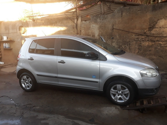 Volkswagen Fox 1.0 Vht Route Total Flex 5p 2010