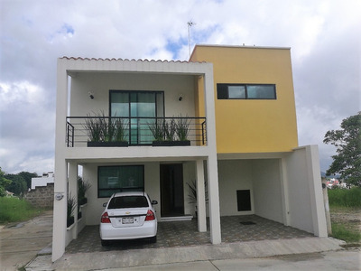 Casa Nueva En Animas Muy Buena Ubicacion, Esquina.