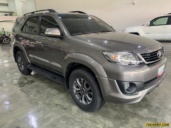 Toyota Fortuner 2019 4x4 2000km