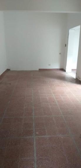 Casa En Alquiler Ubicado En Pilar Centro, Pilar Y Alrededores