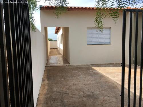 Casa Para Venda Em Tatuí, Residencial Astória, 2 Dormitórios, 1 Banheiro, 1 Vaga - 814_1-1897314