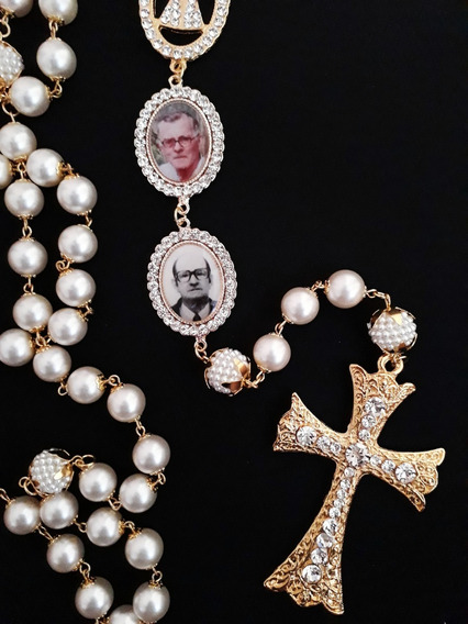 Terço De Noiva Com Duas Medalhas Com Fotos, Dourado, Pérola