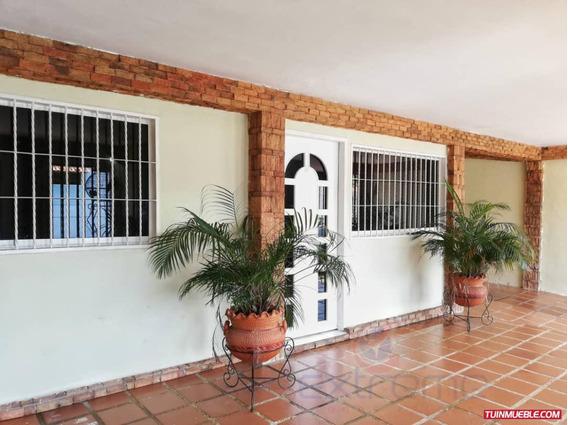 Casa En Venta Lomas Del Caroní, Av. Atlántico