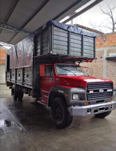 Ford F-700 D