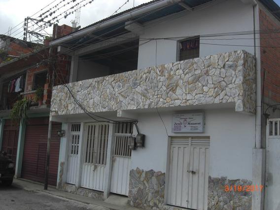 Dos Casas En Una Dos Locales Comerciales Excelente Ubicacion