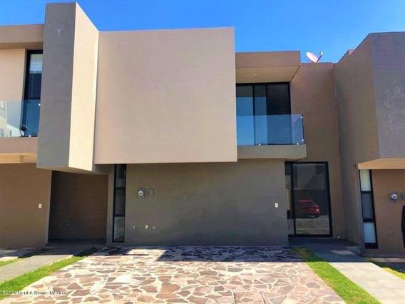Casa En Renta En El Refugio, Queretaro, Rah-mx-21-2498