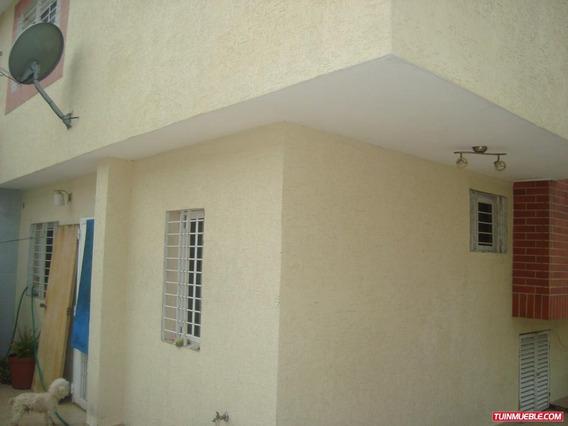 Townhouses En Venta 04124959888