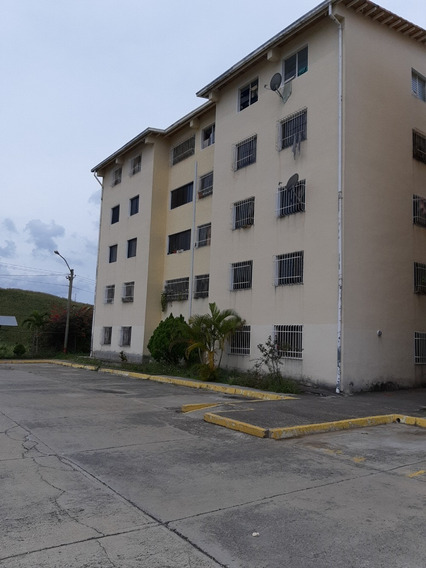 Venta De Apartamento En Los Teques Urb. Los Altos Verdes Rz