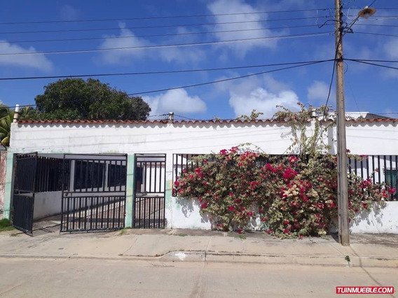 Casas En Alquiler Vacacional, Chichiriviche 04149003972