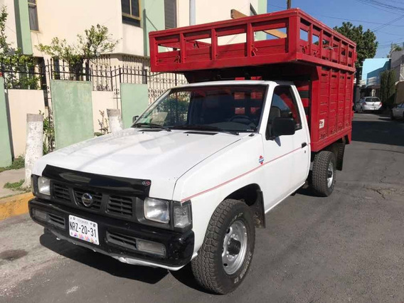 Nissan Pick-up Estaquita