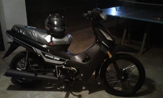 Brava Nevada 110 0k Año 2020 Color Negra Con Casco