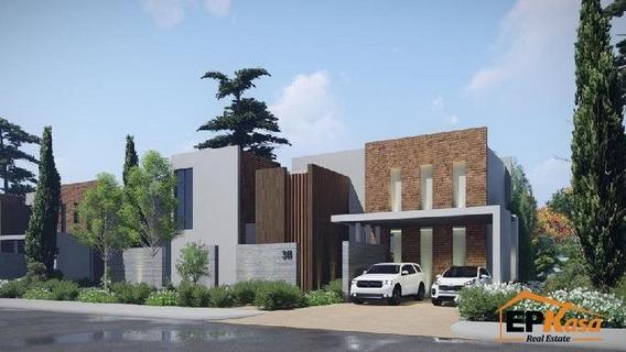 Casa De Venta En Residencial Don Rogelio, Jarabacoa Rmc-173a