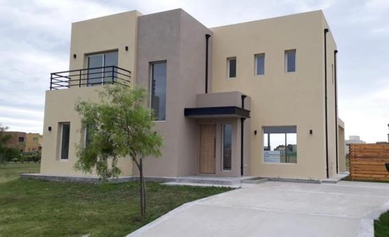 Casa En Venta San Ramiro Pilar Del Este