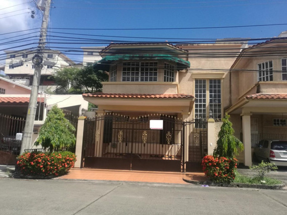Casa En Venta En Altos De Panama 20-246 Emb