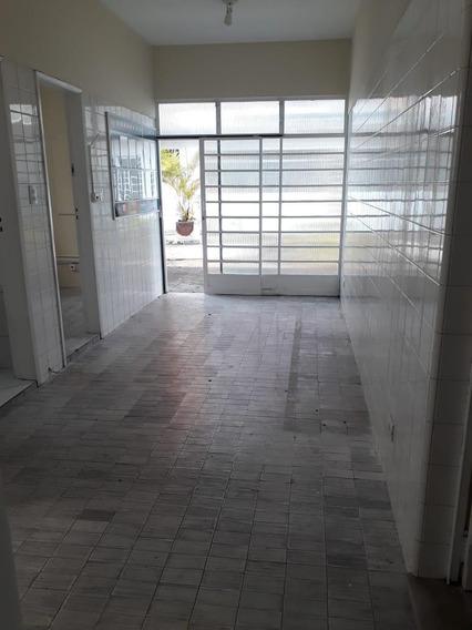 Vendo Ou Alugo Excelente Ponto Comercial No Miolo Da Vila Adyana Com 14 Salas E Um Auditório Para Palestras E Amplo Estacionamento - Ca0934