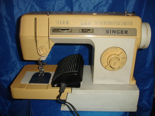 Maquina De Coser Singer Modelo 2530c - Bs. 12.000,00 en