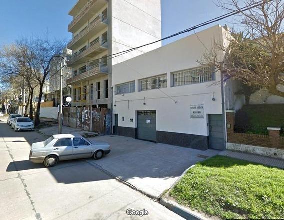 Edificio En Venta De 3 Oficinas Y 10 Cocheras En Zárate Centro