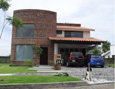 Casa Vista A Campo De Golf El Cristo, 3 Recamaras Y Estudio.