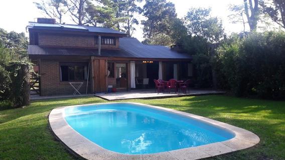 Hermosa Casa Reciclada De 5 Ambientes Gran Jardín Con Pileta