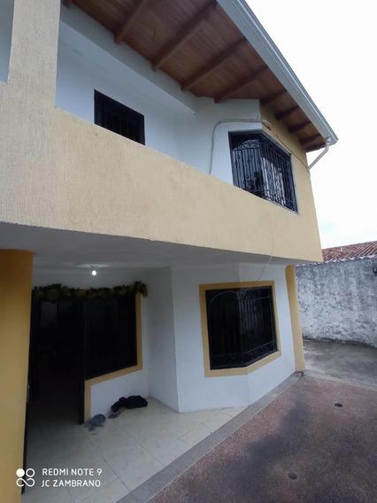 Casa En Conjunto Privado Pueblo Nuevo