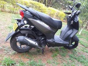Vendo Moto Akt Dinamic R Modelo 2015, 9500 Km,