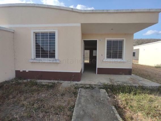 Casa En Venta Este De La Ensenada 21-16283 Rla