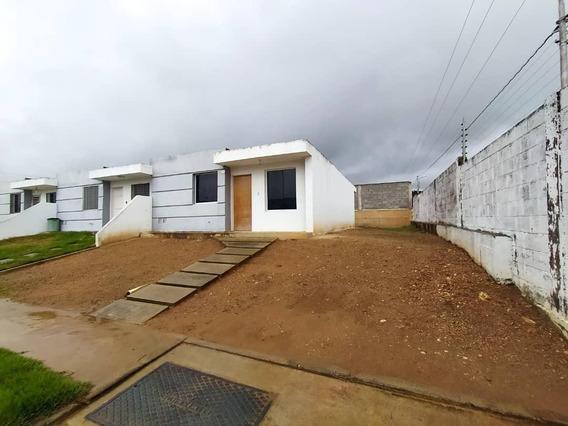 Casa En Alquiler Cabudare 20-20753 Rm 04245038618
