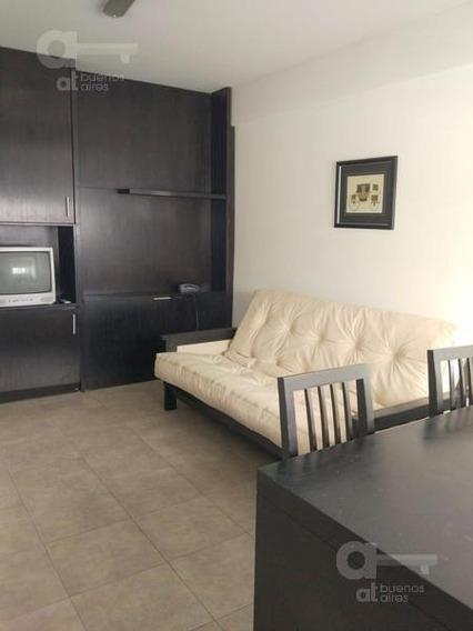 Villa Urquiza. Departamento 2 Ambientes Con Balcón Y Amenities. Alquiler Temporario Sin Garantías.