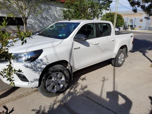 Toyota Hilux 2.8 Cd Sr 177cv 4x4 2018