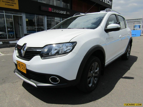 Renault Sandero Stepway At Hatch Back