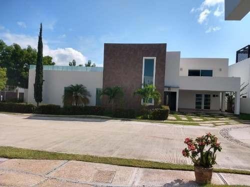 Casa Sola En Renta San Patricio Residencial