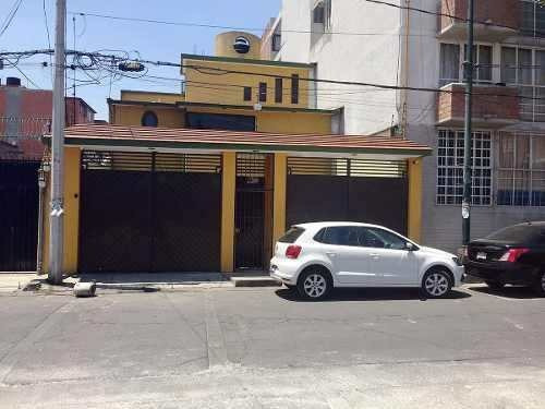 Casa En Renta. Col. San Juan Tlihuaca.