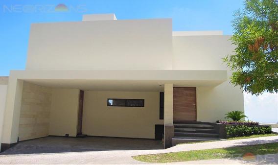 Moderna Residencia Nueva Con Espectaculares Vistas En Venta En Fracc. Sierra Azul Slp