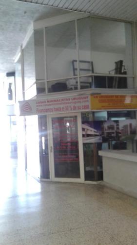Local En Galería En Gorlero. Punta  Del Este