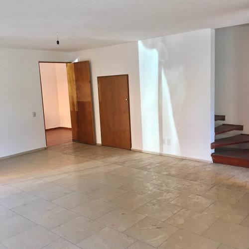 Casa En Condominio Muy Iluminada- Col. San Pedro Martir